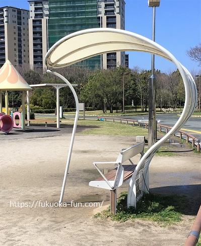 ベンチの多い公園 福岡